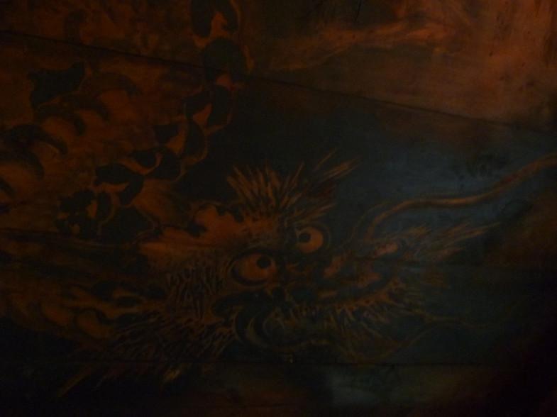 拝殿天井墨龍図